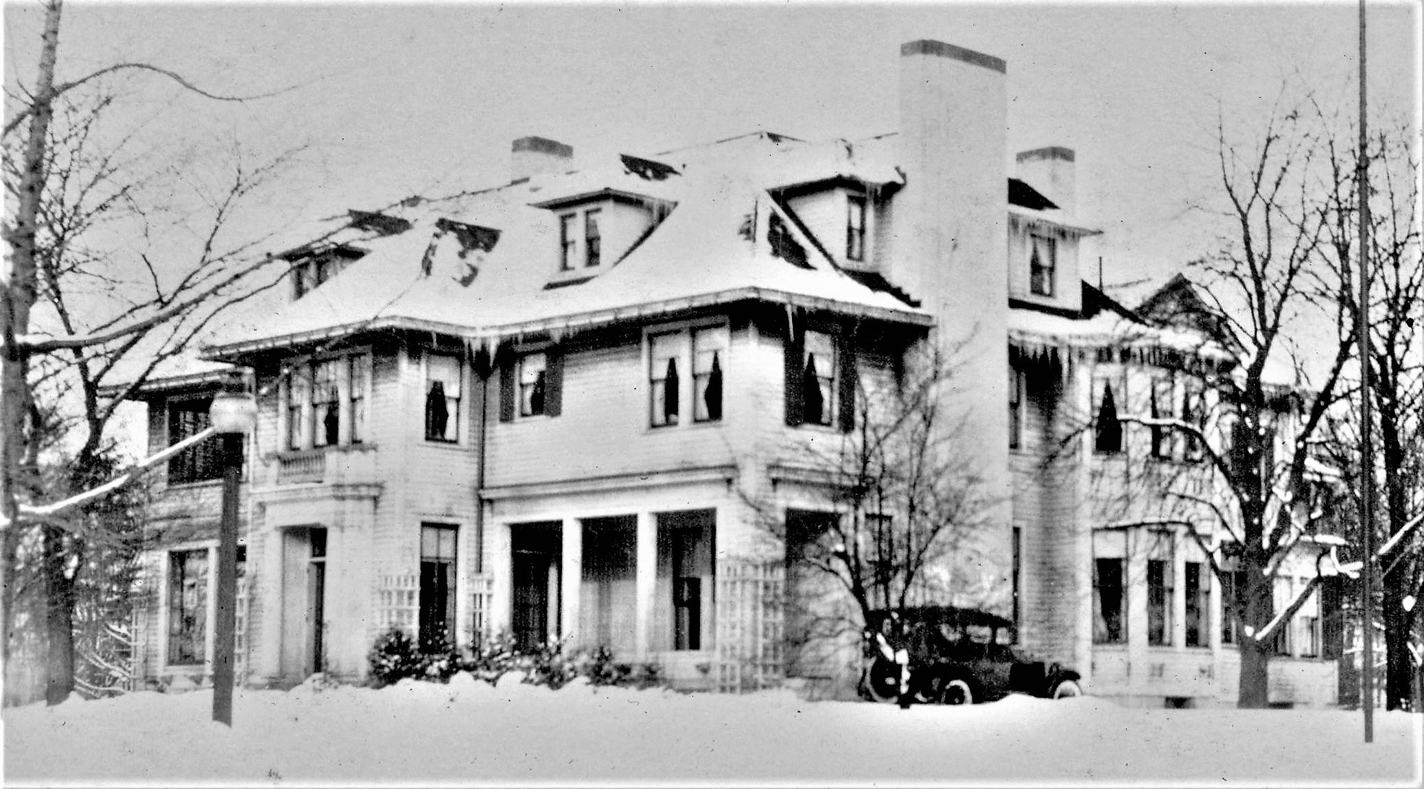 9534 Lake Shore Boulevard 1915