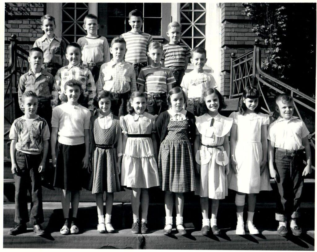 1952-53 Grade 4