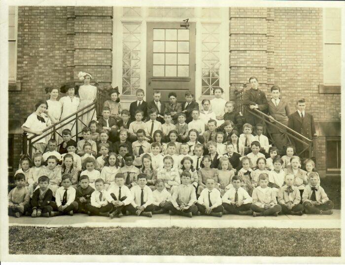 1912-13 School Photo